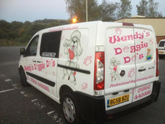 Wendy's Doggie Do's